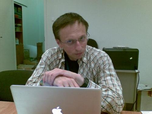 Директор Фестивального центра Нанограда 2012 Л.С. Илюшин. Развлечение - очень серьезная работа!