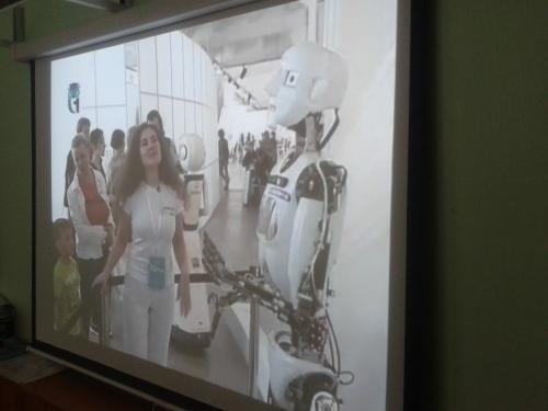 """3 """"А"""" класс Видиоэкскурсия на международную выставку """"Бал роботов"""""""
