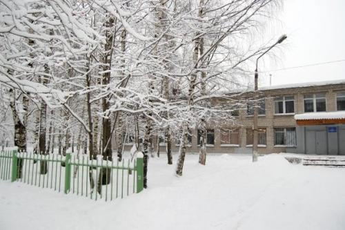 школа зимой